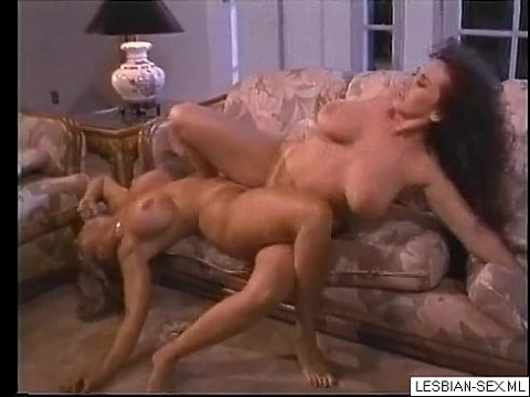 05 Blonde and brunette lesbians suck and rub pussies together on couch1-Visit LESBIAN-SEX.ML for CA